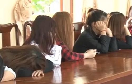 Cơ quan chức năn đã bắt quả tang quán karaoke có hình vi khiêu dâm