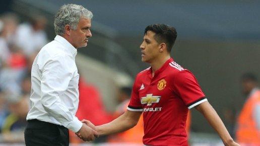 Sanchez đang bất mãn với Mourinho