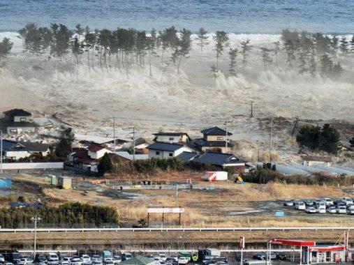 Mơ thấy sóng thần – Ý nghĩa và điềm báo của giấc mơ thấy sóng thần