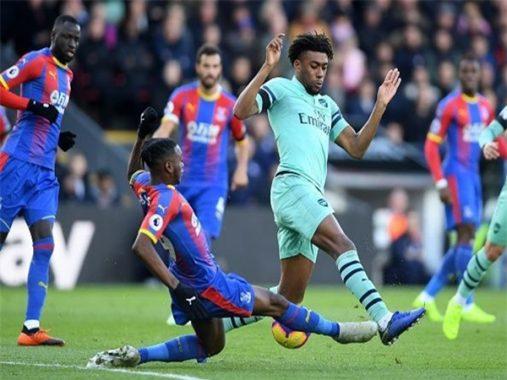 Thương vụ của Wan-Bissaka với Manchester United xắp đổ bể