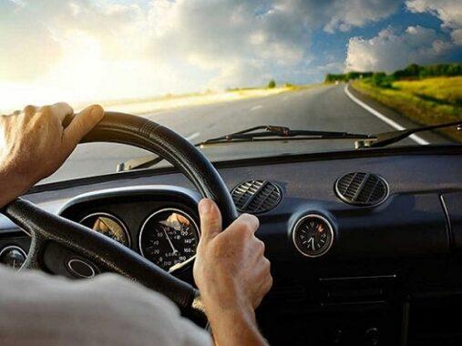 Mơ thấy lái xe ô tô báo điều gì, con số liên quan