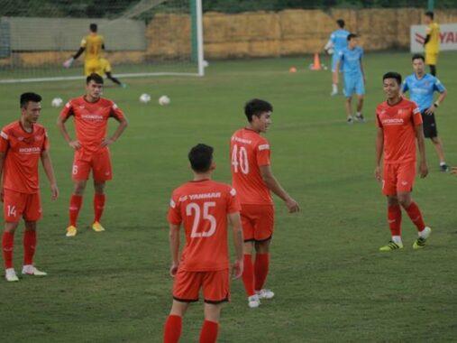 Tin bóng đá Việt 16/12: HLV Park triệu tập 'cầu thủ hay nhất U19 QG
