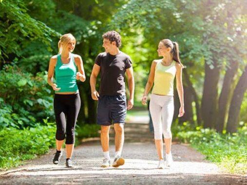 Những lợi ích của việc đi bộ hàng ngày đối với sức khỏe